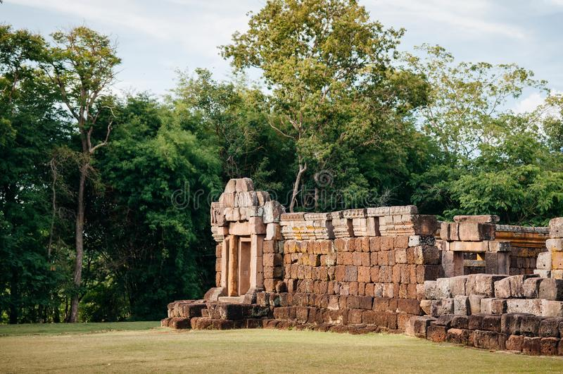 Steenmuur van Phanom-Sportkasteel in Buriram, Thailand stock afbeelding