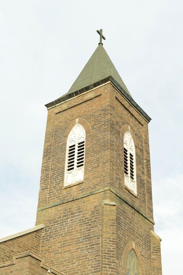 Steeple e cruz da igreja fotos de stock