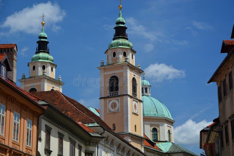 Steeples и собор ljubljana Словения стоковые фотографии rf