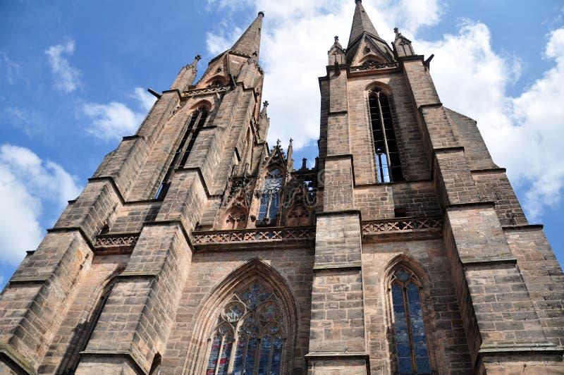 Steeples d'église du ` s de St Elizabeth, Marbourg photographie stock
