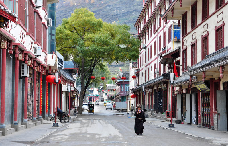 Download Street in Songpan town editorial stock photo. Image of tibetan - 26821233