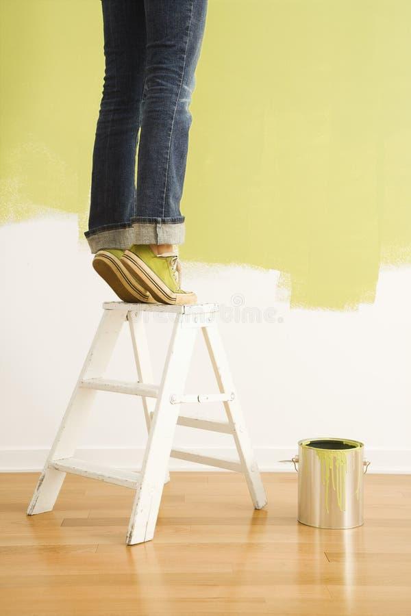 Download Stegemålningskvinna fotografering för bildbyråer. Bild av design - 3533171