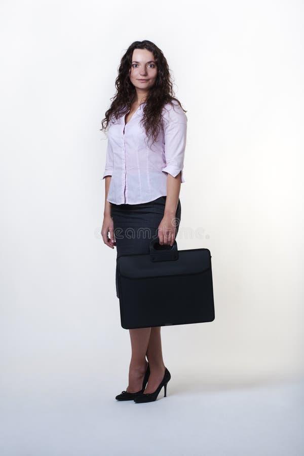 Download Stehende Geschäftsfrau stockbild. Bild von geschäft, leitprogramm - 27728051