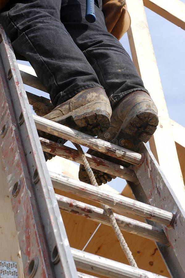Download Steigen der Strichleiter stockbild. Bild von matten, haus - 47443