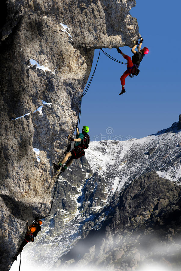 Steigen in einem hohen Berg