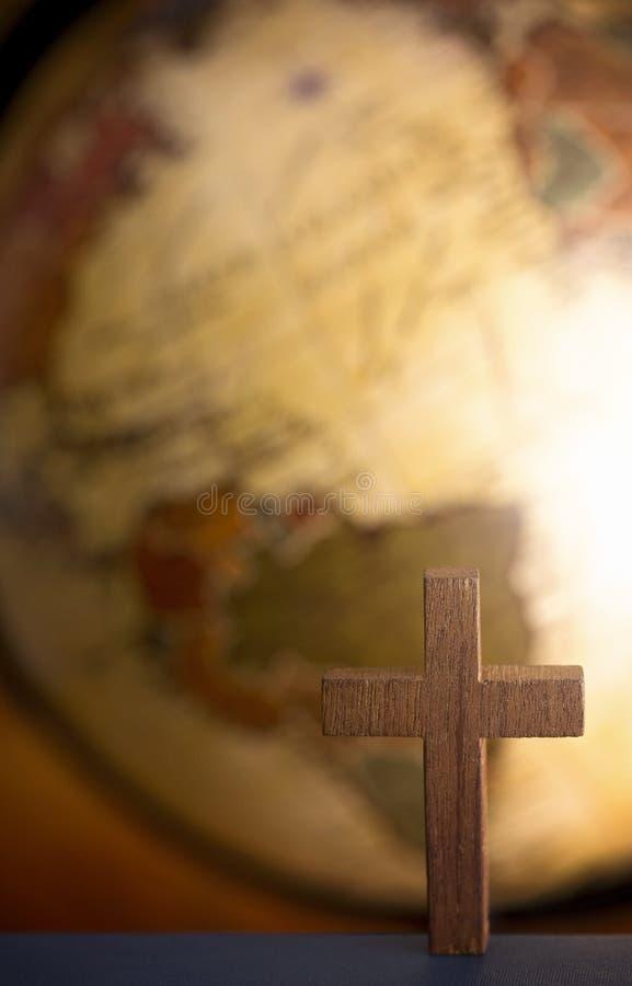 Steigen Sie in die ganze Welt ein und sagen Sie dem Evangelium zu aller Schaffung lizenzfreie stockfotografie