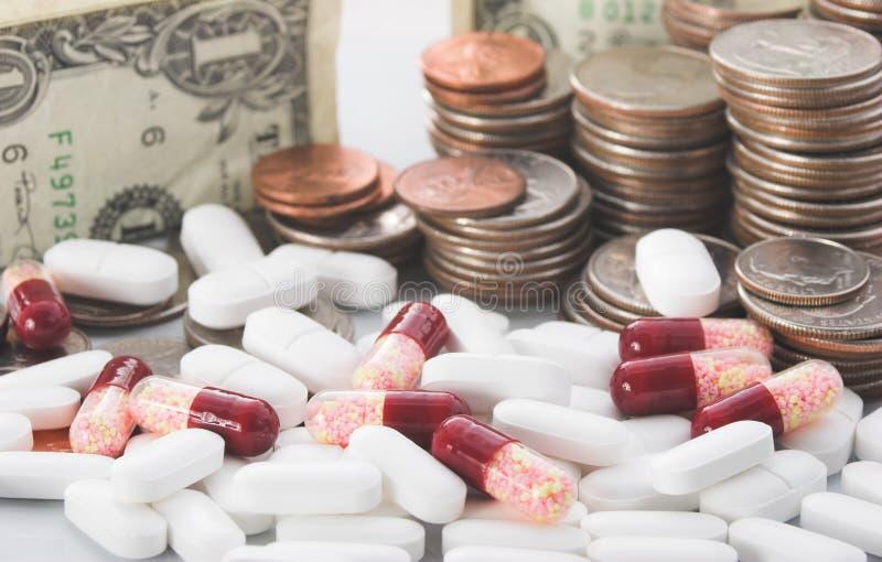 Steigende Kosten Gesundheitspflege stockfotos