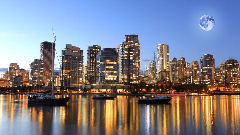 Steigender Mond über Vancouver, Britisch-Columbia stockfoto