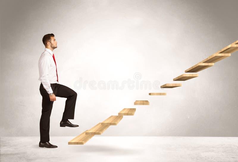 Steigerung eines Treppenhauses stockbilder