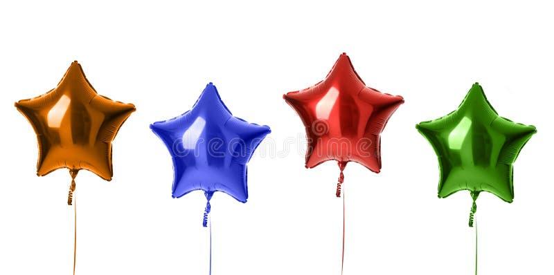 Steigt metallischer großer roter orange Latex des blauen Grüns vier für die Geburtstagsfeier im Ballon auf, die auf einem Weiß lo stockbilder