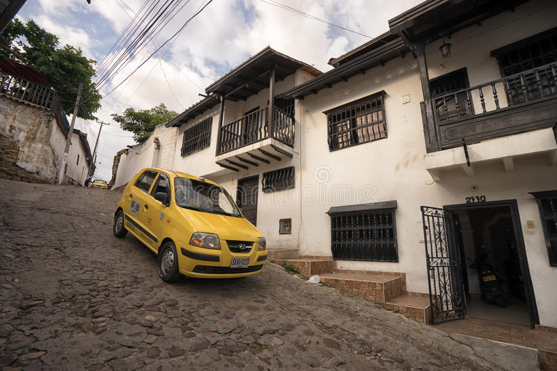 Steile straat in Giron Colombia royalty-vrije stock afbeelding