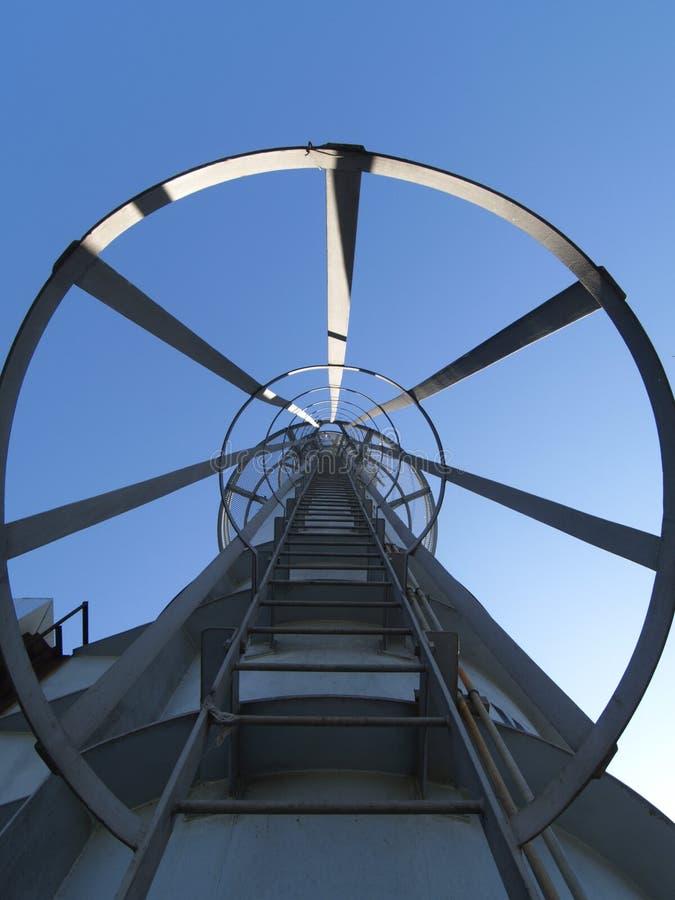 Steile Strichleiter stockfoto