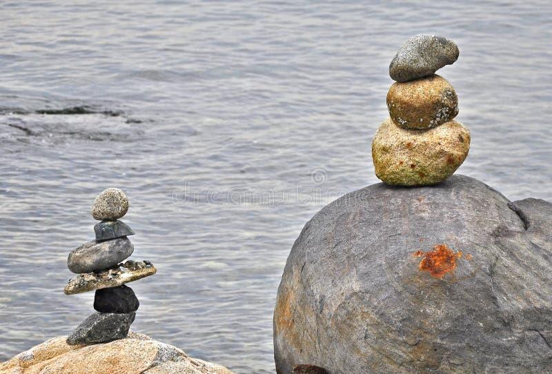 Steinbalancieren stockfoto