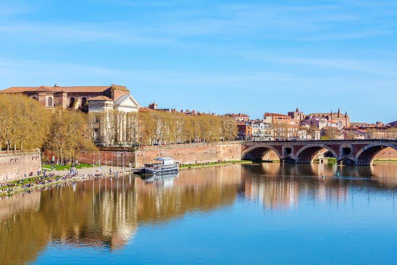 Steinbrücke über Garonne, Toulouse stockfotos