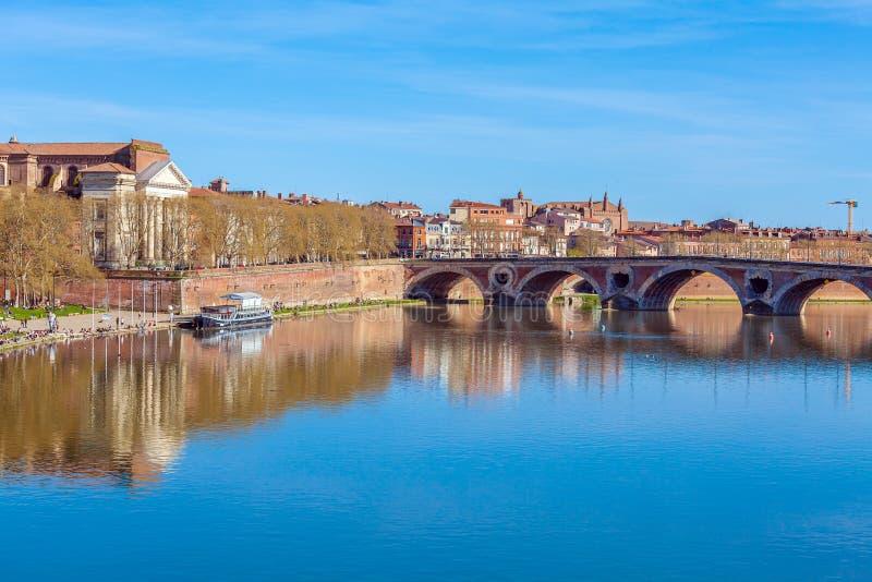 Steinbrücke über Garonne, Toulouse lizenzfreies stockbild