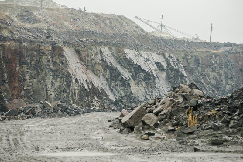 Steinbruch für Granitbergbau lizenzfreies stockfoto