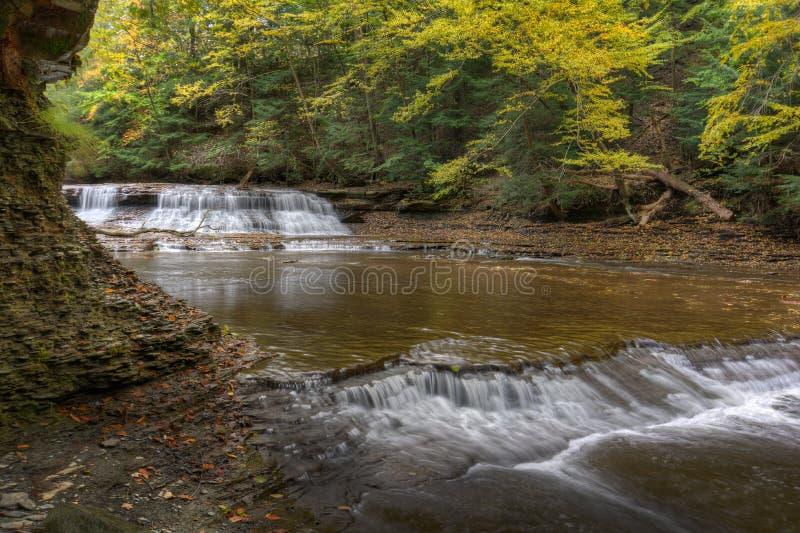 Steinbruch-Felsen-Fälle Bentleyville Ohio lizenzfreie stockbilder