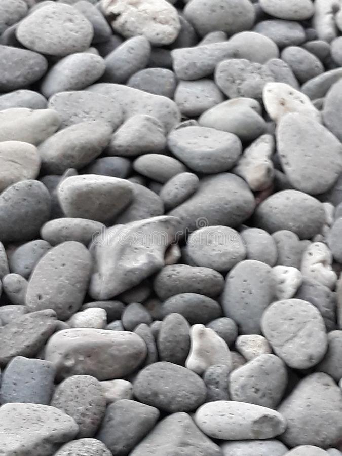 Steine überall lizenzfreie stockfotografie