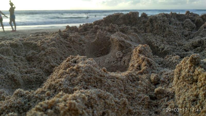 Steine im Ozeanwasser lizenzfreies stockbild