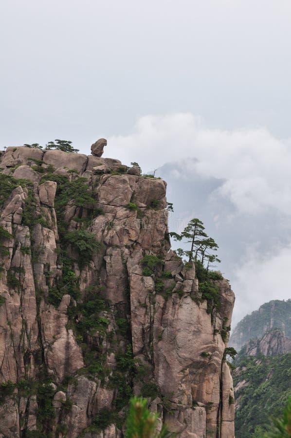 Steinfallhammer im Berg Huang China lizenzfreie stockfotografie