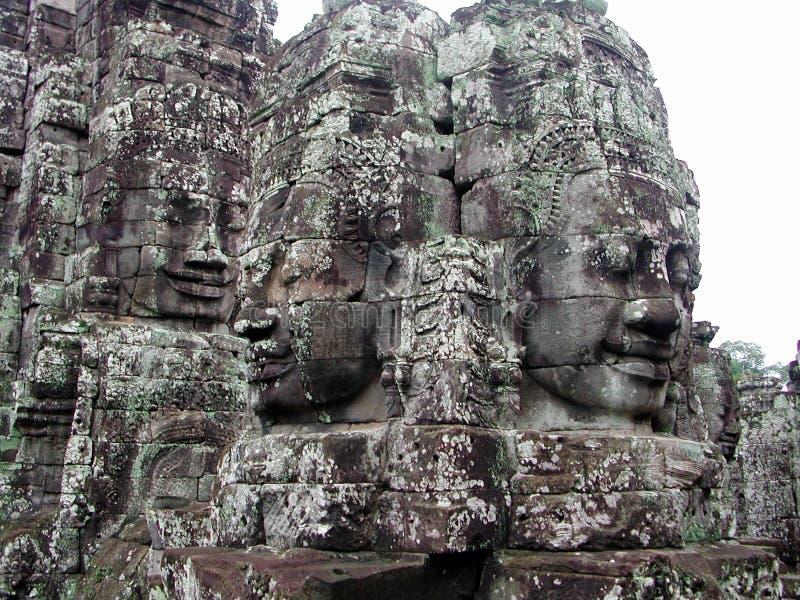 Steingesichter in Kambodscha lizenzfreie stockfotos
