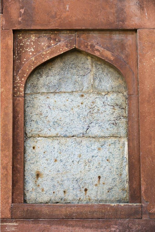 Steingestaltung des alten Fensters stockfotos