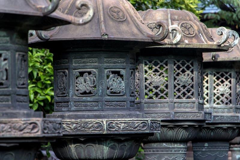 Steinlaternen in Ueno-Park, Taito-Bezirk, Tokyo stockfoto