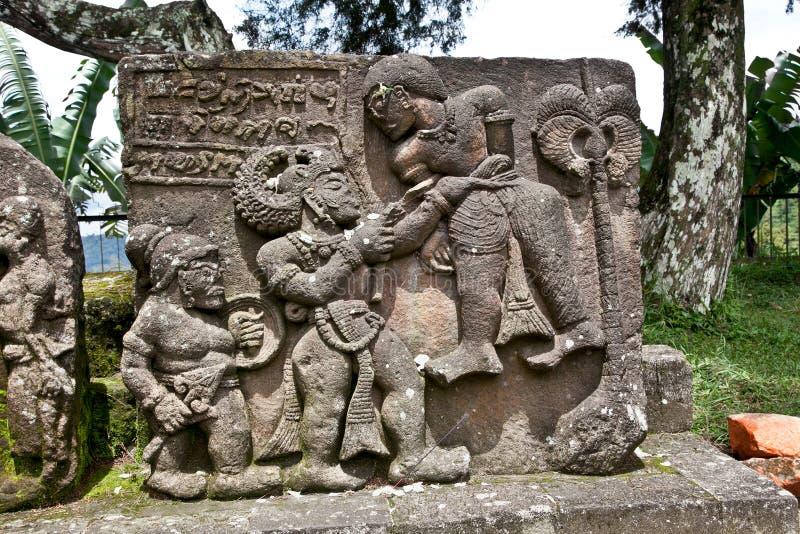 Steinskulptur in altem Candi Sukuh auf Java, Indonesien lizenzfreie stockfotos