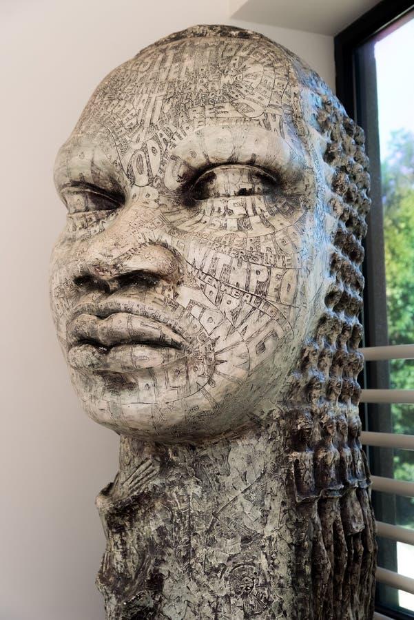 Steinstatue in einem schwarzen Geschichtsmuseum lizenzfreie stockfotos