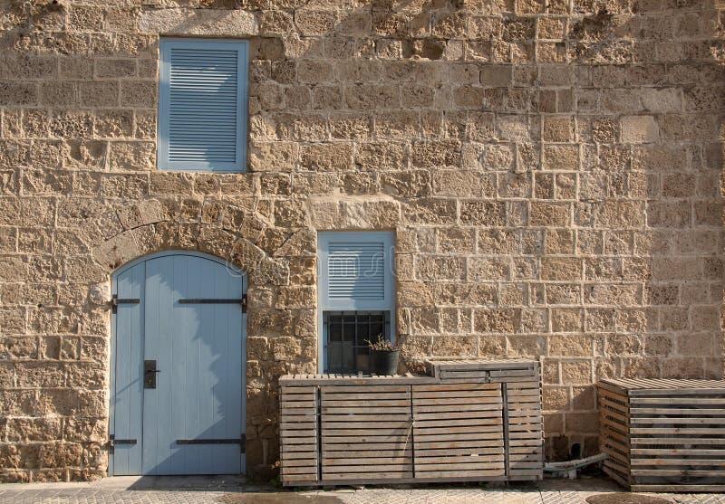 Steinwand der alten Mittelmeerstadt lizenzfreie stockfotos