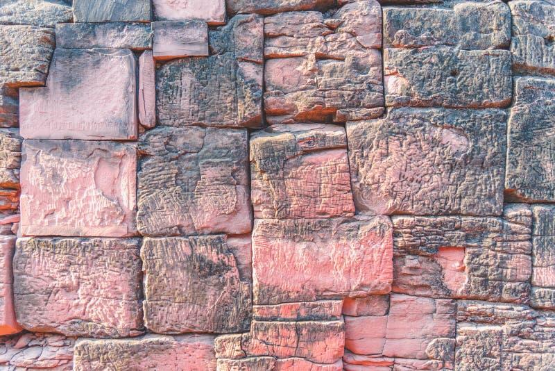 Steinwand des alten Khmer-Schlosses stockfoto