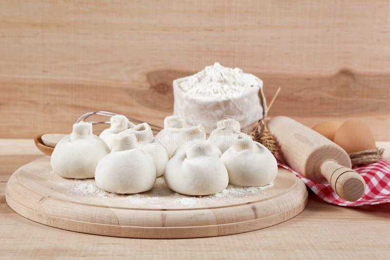 Stekheta ingredienser för att laga mat mantiklimpar arkivbilder