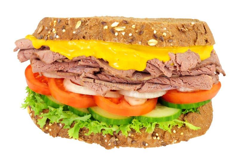 Steknötkött och salladsmörgås fotografering för bildbyråer