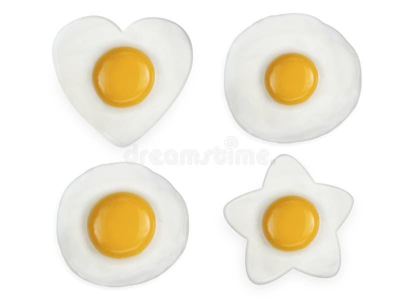 Stekt ägg som isoleras på vitbakgrund royaltyfria foton