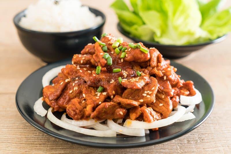 stekt griskött med kryddig koreansk sås (bulgogien) arkivfoto