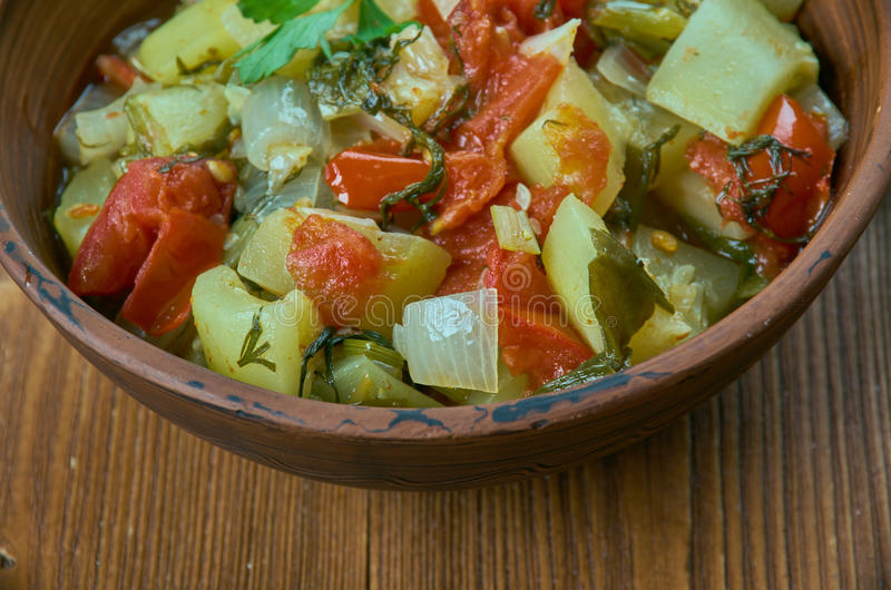 Stekt zucchini i olivolja arkivbild