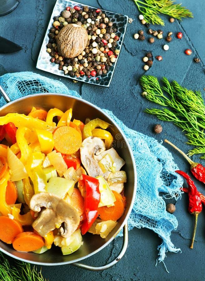 stekte grönsaker fotografering för bildbyråer