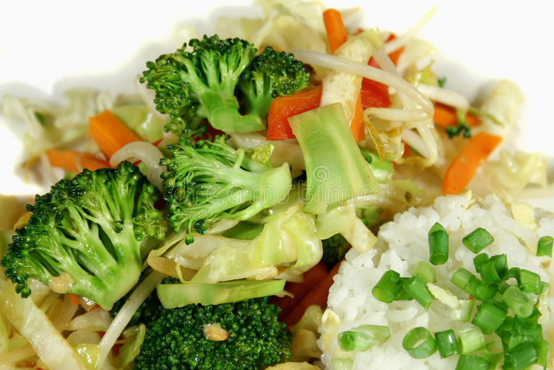 stekte grönsaker wokar royaltyfri fotografi