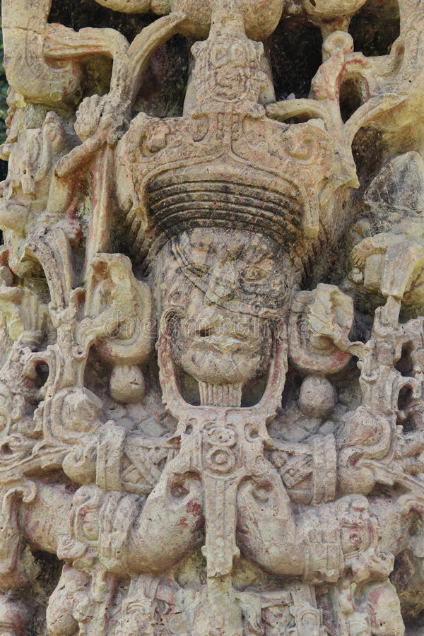 Stela B, in 731 AC wordt gesneden, bij de indrukwekkende Mayan archeologische plaats van Copan, Honduras dat royalty-vrije stock afbeeldingen