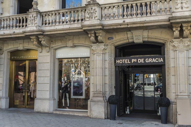 Stella mc Cartney shoppar, Barcelona royaltyfri bild