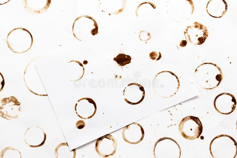 Stelle vom Kaffee auf Weißbuch als Hintergrund lizenzfreie stockbilder