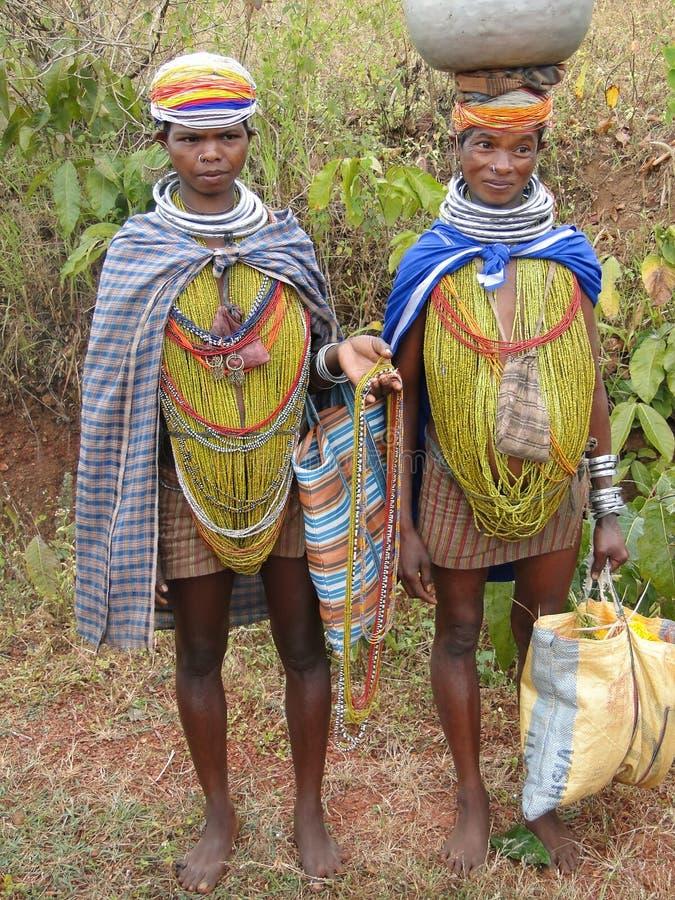 Stellen de stammenvrouwen van Bonda voor portretten royalty-vrije stock afbeeldingen