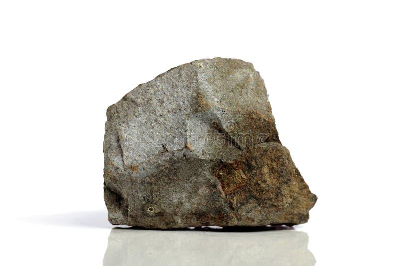 Stellen Sie Felsenstein mit den Namen ein, lokalisiert auf einem weißen Hintergrund mit Schatten, schöne Beleuchtung, Reflexionen stockfoto