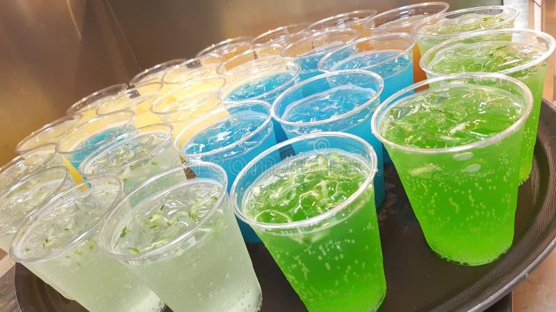 Stellen Sie Getränke ein stockbilder