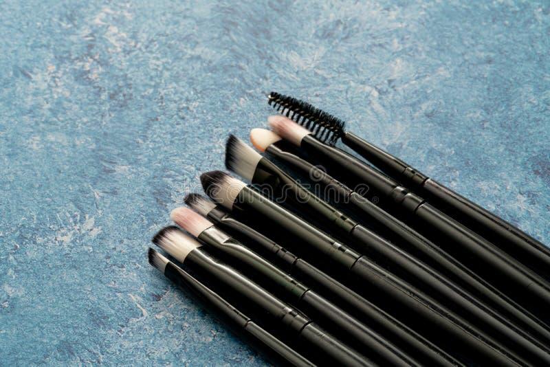 Stellen Sie vom kosmetischen Make-upb?rstenabschlu? auf lizenzfreie stockfotos