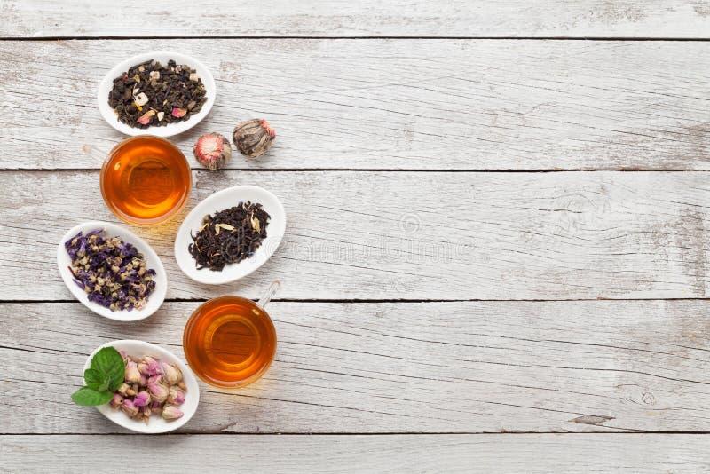Stellen Sie von den Kr?uter- und der Frucht trockenen Tees ein stockfoto
