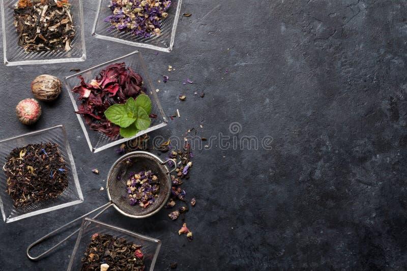Stellen Sie von den Kr?uter- und der Frucht trockenen Tees ein stockfotografie