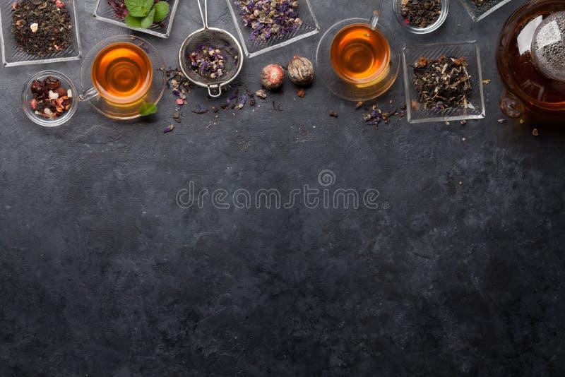 Stellen Sie von den Kr?uter- und der Frucht trockenen Tees ein lizenzfreies stockbild