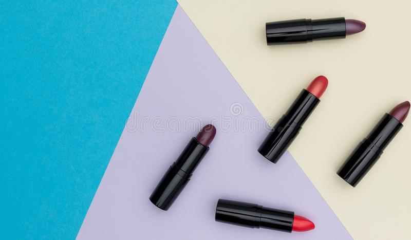 Stellen Sie von den offenen Lippenstiftrohren ein lizenzfreie stockfotografie