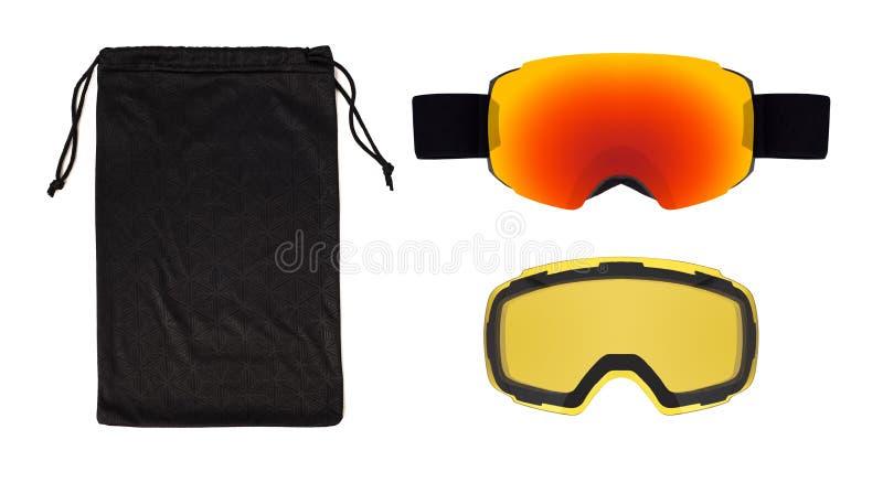 Stellen Sie von den Skischutzbrillen, -linse und -tasche ein, die lokalisiert werden stockfotos